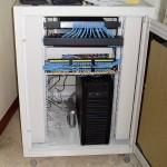 彙整 有線網路、NAS、通訊電話、監控等整合系統,並以機櫃配置